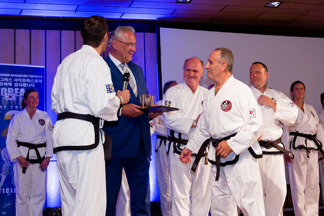 » Bilder-Abteilungen » Teakwondo » 3.jpg