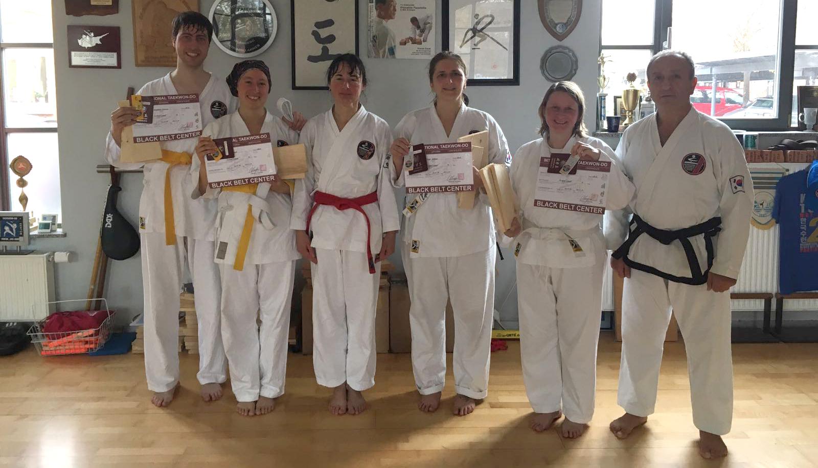 » Bilder-Abteilungen » Teakwondo » PrüflingeTKDBaiersdorf.jpg